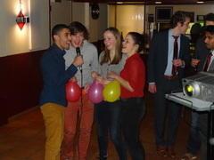 Dies helium karaoke